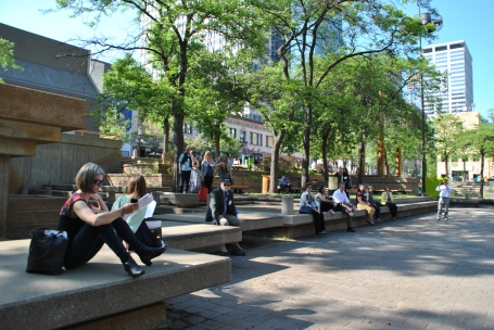 Quality time at Peavey Plaza, landscape architect: M. Paul Friedberg