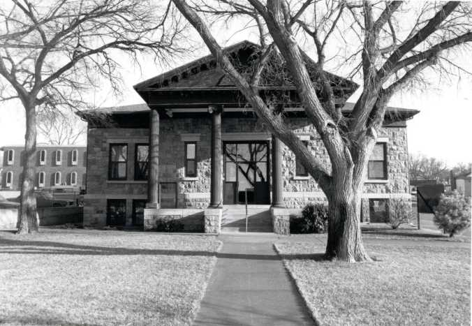 Pierre Carnegie Library, photo from the South Dakota State Historic Preservation Office.